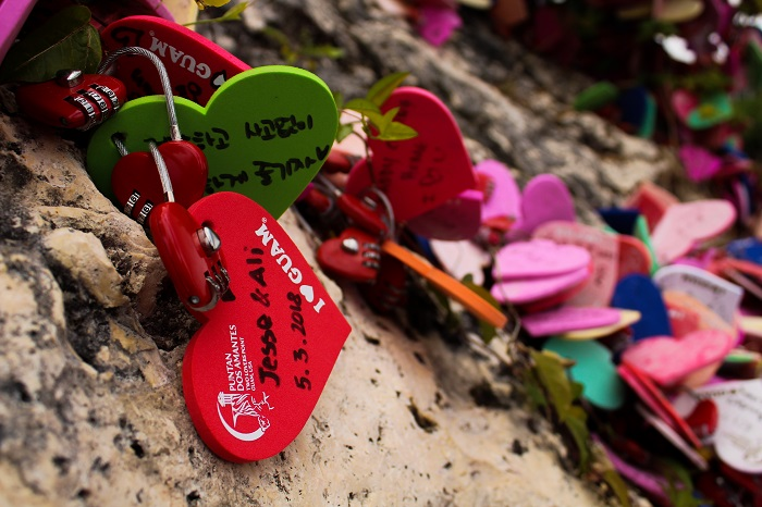 Heart-shaped messages left by visitors at Two Lovers Point